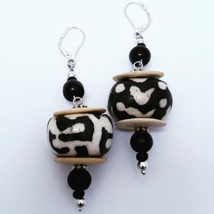 (NEW) African Style, Bone Bead Earrings, Jewelry